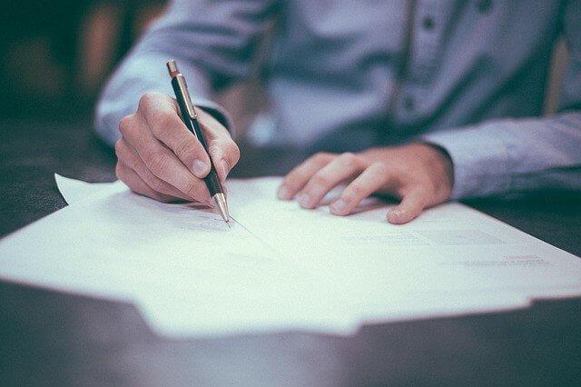 przygotowanie dokumentów przez agenta ubezpieczeniowego