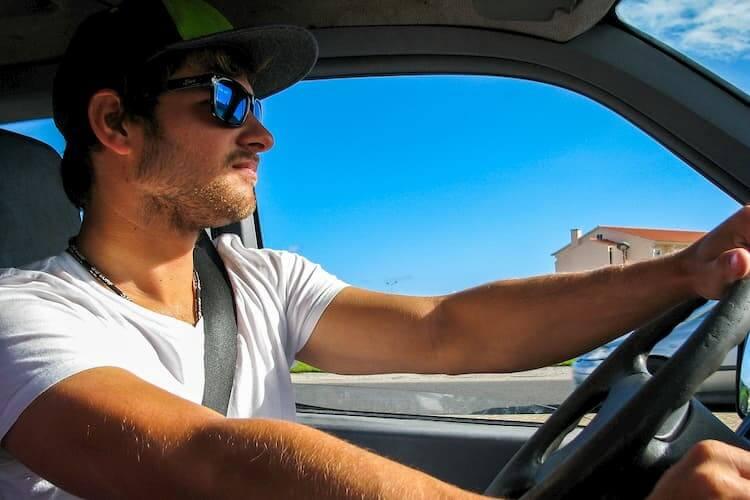 najtańsze OC dla młodego kierowcy