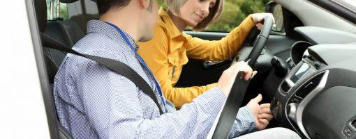 Właściciel auta bez prawa jazdy jako pasażer