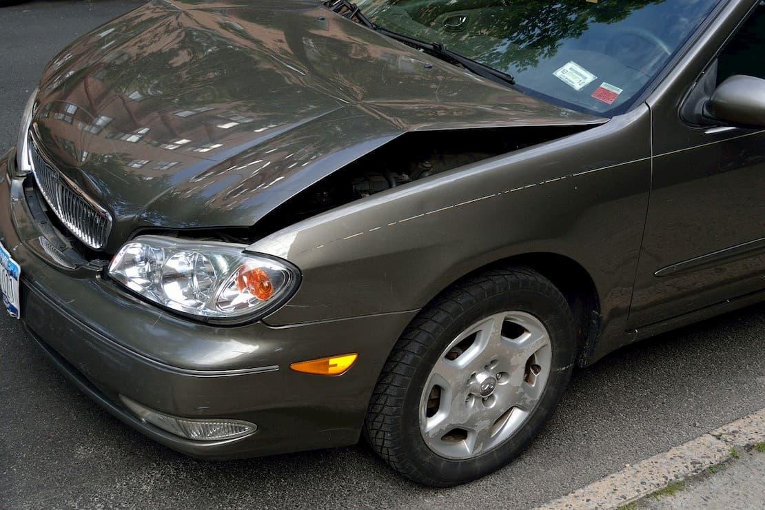 Samochód uszkodzony podczas kolizji
