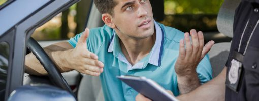 Kierowca podczas kontroli drogowej tłumaczy brak OC